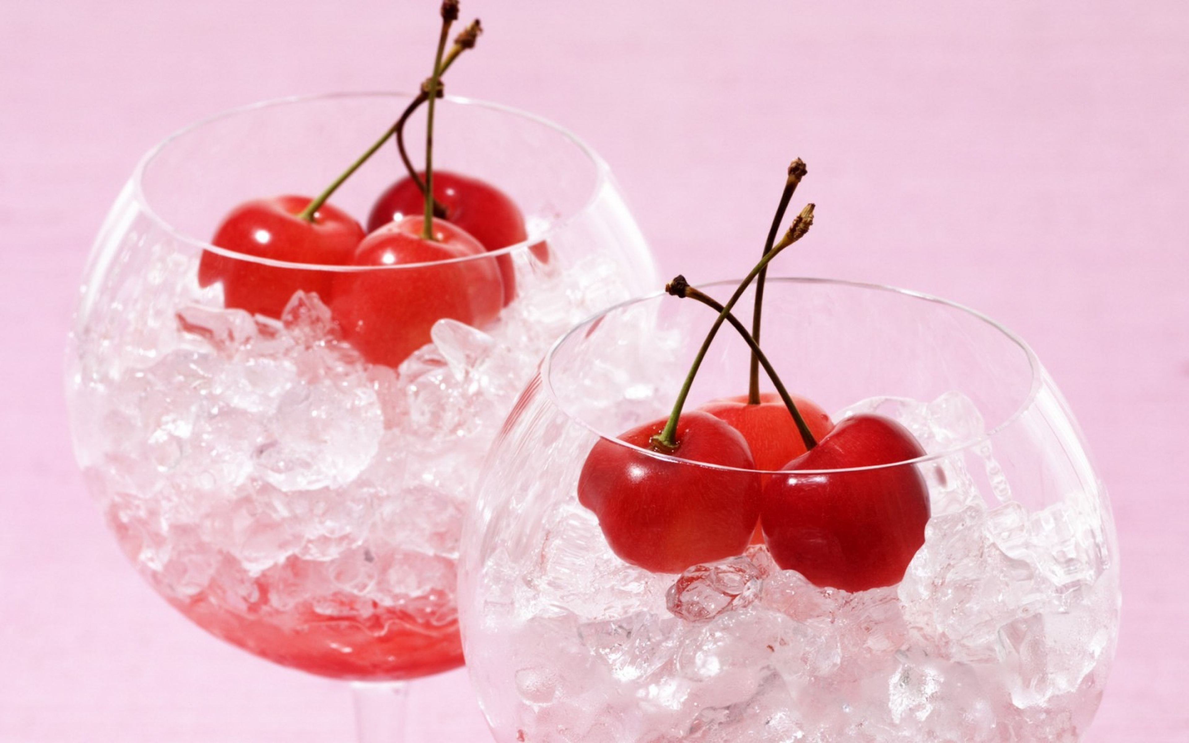 cherry_glass_ice_fruit_cocktail_glasses_ice_cubes_74219_3840x2400